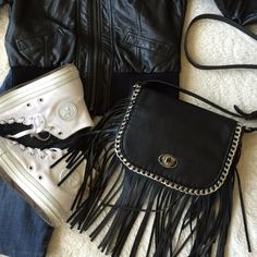 """⬇️PRICE DROP⬇️  HP Wardrobe Goals Black Madden Girl fringe crossbody bag. Accented with chain & fringe detail. Interior: 2 front slip pockets, 1 back zip pocket. Foldover with turn-lock closure. Adjustable crossbody strap. Dimensions: W9"""" H9"""" D2"""" ❌PRICE IS FIRM❌ NO TRADES‼️ Steve Madden Bags"""