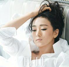 Chinese actress Gong Li poses for fashion magazine Minka Kelly Hair, Gong Li, Shadow Face, Memoirs Of A Geisha, Beautiful Asian Girls, Beautiful Women, Portraits, Chinese Actress, Fifty Shades Of Grey