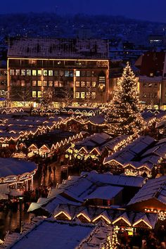 Christmas Market in Ulm. One of the most beautiful and nicest Christmas Markets in Germany. Christmas In Germany, German Christmas Markets, Christmas In The City, Christmas Markets Europe, Christmas Scenes, Beautiful Christmas, Christmas Lights, Christmas Time, Christmas Travel