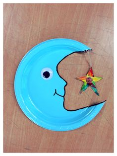 Plastic plate moon and star craft