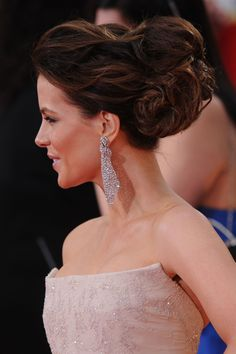 More Pics of Kate Beckinsale Bobby Pinned updo