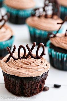 @KatieSheaDesign ♡❤ #Cupcakes ❥ Kiss cupcakes