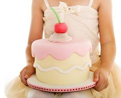 perfect birthday party cake for a little girl