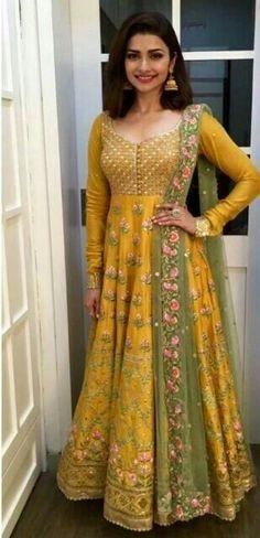 inarawedding: Wonderful yellow fashion trends ideas for 2019 Kitchen Yellow Angrakha Crayon 25 Best Mehndi Dresses For Pakistani Brides 20172018 Folder Silk Anarkali Suits, Anarkali Dress, Bridal Anarkali Suits, Indian Anarkali, Salwar Suits, Mode Bollywood, Bollywood Fashion, Indian Attire, Indian Wear