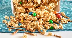 This Peanut Butter Popcorn Crunch is the perfect blend of sweet and salty making it an addictive holiday snack. Peanut Butter Popcorn, Popcorn Snacks, Pop Popcorn, Bangers And Mash, Chocolate Covered Peanuts, Holiday Snacks, Tasty Kitchen, Vegetarian Chocolate, Sweet And Salty