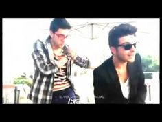 "Il volo Gianluca y Piero bailan ""Suit & tie,"" Justin Timberlake version, published on May 11, 2013"