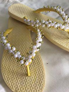 b6c8a90b 46 mejores imágenes de mis creaciones. ojotas bordadas | Pearls