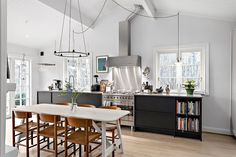 best=Johanna Bradford home for sale COCO LAPINE DESIGN , Looking for that Perfect Prom Dress? Kitchen Bookshelf, Wooden House, Elle Decor, Dining Furniture, Beautiful Interiors, Cozy House, Home Kitchens, Bradford, Interior Design