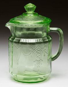 CAMEO DEPRESSION GLASS JUICE PITCHER : Lot 958 Glass Pitchers, Glass Dishes, Glass Art, Cut Glass, Antique Glassware, Vaseline Glass, Glass Collection, Colored Glass, Indiana Glass