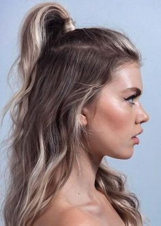 Sensational half up half down hairstyles trends for women to wear in 2018.