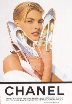 Risultati immagini per fashion advertising 90s