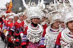 est100 一些攝影(some photos): Ethnic Miao people wearing ...