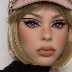 Makeup Eye Looks, Creative Makeup Looks, Cute Makeup, Retro Makeup, Glam Makeup, Hair Makeup, Vintage Makeup Looks, Make Up Looks, Spring Makeup