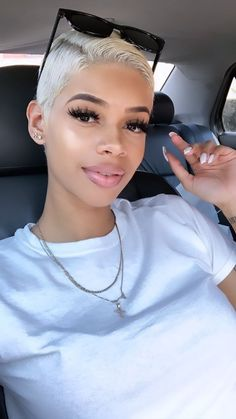 Buy this high quality wigs for black women lace front wigs human hair wigs african american wigs the same as the hairstyles in picture Short Sassy Hair, Short Hair Cuts, Pixie Hairstyles, Pretty Hairstyles, Haircuts, Curly Hair Styles, Natural Hair Styles, Short Blonde, Wigs For Black Women