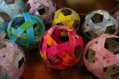ティッシュの空き箱のカラフルさを活かした、手まり Diy And Crafts, Crafts For Kids, Paper Crafts, Infant Activities, Origami, Blog, Handmade, Decorations, Games