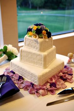 Wedding Cakes on Pinterest | White Frosting, Wedding cakes and Red ...