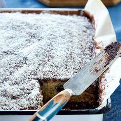Donut Recipes, Baking Recipes, Cake Recipes, Cake Bars, Dessert Bars, Lamingtons Recipe, Easy Tart Recipes, Coffee Cookies, Food Carving