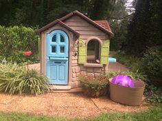 Bhive Green: Playhouse Makeover