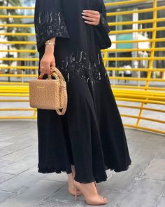 with المحبة من الله وانت اقرب مثال Dubai Fashion, Abaya Fashion, Muslim Fashion, Modest Fashion, Fashion Dresses, Fashion Shoot, Women's Fashion, Abaya Noir, New Abaya Style