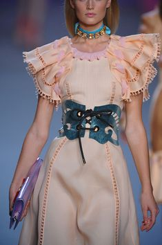 Not sure about the color combo & sleeves, but I like the idea Viktor & Rolf Spring 2012 Peach ruffled sleeve intricately corseted pin tucked and tassled gorgeousness Couture Fashion, Paris Fashion, Fashion Show, Fashion Art, Fashion Design, Fashion Degrees, High Fashion Dresses, Viktor Rolf, Couture Collection
