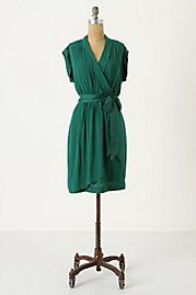 Such a perfect dress, wrap dresses work well on everybody - and as a redhead, I love that emerald green! Pretty Outfits, Cool Outfits, Anthropology Dresses, Dresses For Work, Wrap Dresses, Spring Dresses, Short Dresses, Green Dress, Passion For Fashion