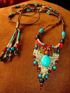 ~ Weaving jewelry with Macrame bead work ~ - - ~ Weaving jewelry with Macrame bead work ~ takılar ~ Schmuck mit Makramee Perlen weben ~ Textile Jewelry, Fabric Jewelry, Macrame Jewelry, Bohemian Jewelry, Jewelry Crafts, Jewelry Art, Fashion Jewelry, Jewelry Design, Artisan Jewelry