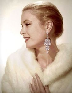 State Of Grace, Diamond Earrings, Drop Earrings, Pearl Studs, Grace Kelly, In Hollywood, Timeless Fashion, American Actress, Old Photos