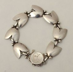 Beautiful bracelets for the loved one in your life. Jewelry Shop, Jewelry Art, Antique Jewelry, Vintage Jewelry, Fashion Jewelry, Jewelry Design, Jewelry Bracelets, Jewellery, 925 Silver Bracelet