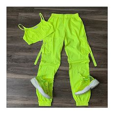 Neon Outfits, Cute Lazy Outfits, Cute Swag Outfits, Crop Top Outfits, Sporty Outfits, Mode Outfits, Retro Outfits, Stylish Outfits, Girls Fashion Clothes