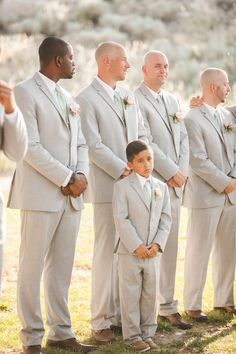 grey groomsmen look @weddingchicks