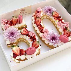 ideas for birthday cake flower macarons Pretty Cakes, Cute Cakes, Beautiful Cakes, Amazing Cakes, Strawberry Birthday Cake, Strawberry Flower, 50th Cake, Cake Shapes, Number Cakes