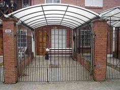 techo policarbonato curvo para cochera exterior en PH triplex