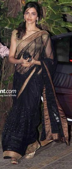 Deepika padukone in black net saree and blouse Indian Bollywood, Bollywood Fashion, Indian Sarees, Bollywood Actress, Indian Attire, Indian Wear, Indian Style, India Fashion, Asian Fashion
