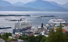 Molde er ingen turistby - men den kan bli det om de vil  Derfor er ikke Molde noen turistby