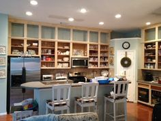 It's been a long time coming, but our patience definitely paid off! I hope you enjoy the tour of our newly remodeled kitchen! O, wait!...