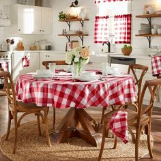 Farmhouse Living Buffalo Check Tablecloth Collection - 70 Round - Red/White - Elrene Home Fashions Buffalo Check Tablecloth, French Country Kitchens, Modern Country, Country Farm Kitchen, Wedding Table Linens, Cafe Curtains, Tier Curtains, Country Curtains, Round Tablecloth