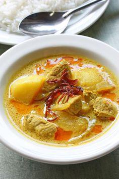 Thai Yellow Curry Paste Recipe (Nam Prik Gaeng Karee) | Temple of Thai