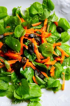 salad with linden leaves, edible leaves linden salad of young leaves of trees, edible leaves tilia Linden Leaf, Edible Wild Plants, Wild Edibles, Your Recipe, Perennial, Spinach, Trees, Leaves, Vegetables