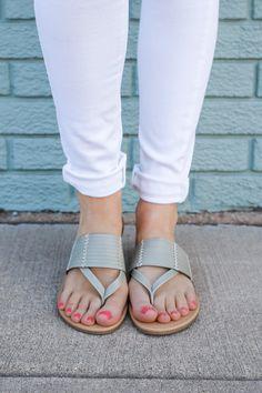 Women Summer Shoes New Sandals Flip Flops Cheap Flip Flops Casual Closed Toe Sandals Sandals 777 Closed Toe Sandals, Flip Flop Sandals, Slide Sandals, Flip Flops, Fashion Heels, Sneakers Fashion, Black Sandals, Shoes Sandals, Women Sandals