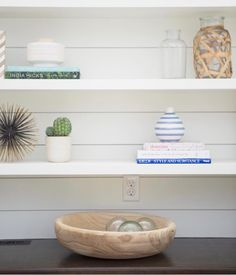 """295 Likes, 29 Comments - meredith (@viewfrommyheels) on Instagram: """"Get all the details on my living room #ontheblog today including tips about shelf styling. It's not…"""""""