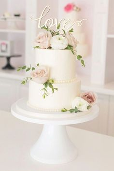Love buttercream wedding cake with roses and ranunculus 2 Tier Wedding Cakes, Fondant Wedding Cakes, Small Wedding Cakes, Buttercream Wedding Cake, Floral Wedding Cakes, Wedding Cake Rustic, Wedding Cakes With Cupcakes, Elegant Wedding Cakes, Beautiful Wedding Cakes