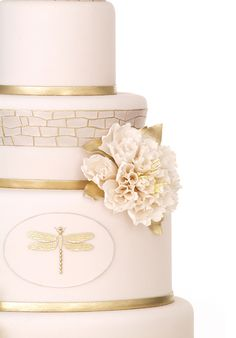 Metallic Wedding Cakes - Part 3 - Belle the Magazine . The Wedding Blog For The Sophisticated Bride