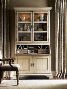 Lexington Twilight Bay Colette Buffet and Hutch Set in Distressed Aged White / Textured Soft Taupe Gray