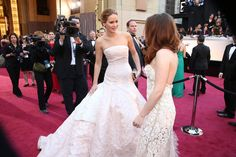 Jennifer Lawrence and Kristen Stewart at the #Oscars   Click through for more red carpet candids!