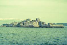 軍艦島に想いを馳せて @軍艦島 - ○○しゃしんのじかん    http://blog.goo.ne.jp/moriken_photo/