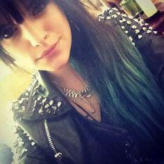 studded shoulders, hombre style aqua-green mermaid hair = badass Juliet Simms