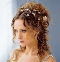 PEINADOS-JOYA TAMBIÉN PARA NOVIAS    Such a pretty and simple #hairstyle2013 wedding    www.ukhairdressers.com
