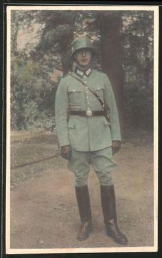 old postcard: Farb-Foto-AK SS-Polizei in Uniform mit HK auf dem Stahlhelm