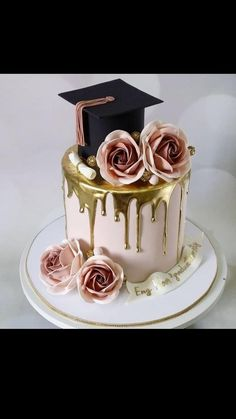 Nursing Graduation Cakes, Graduation Cake Designs, Graduation Party Desserts, Graduation Images, Graduation Party Planning, Graduation Cupcakes, Number Birthday Cakes, Mermaid Birthday Cakes, Pretty Birthday Cakes