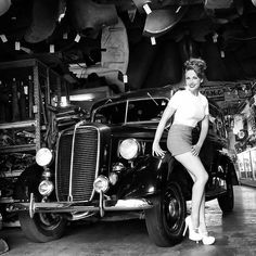 Bettie Page Clothing. Love this shot from of the lovely in our classic hot time shorts and girl next door top. Bettie Page Shoes, Bettie Page Clothing, Cool Car Pictures, Car Pics, Rat Rod Girls, Pin Up Car, Rockabilly Cars, Pin Up Photography, Vintage Inspired Outfits